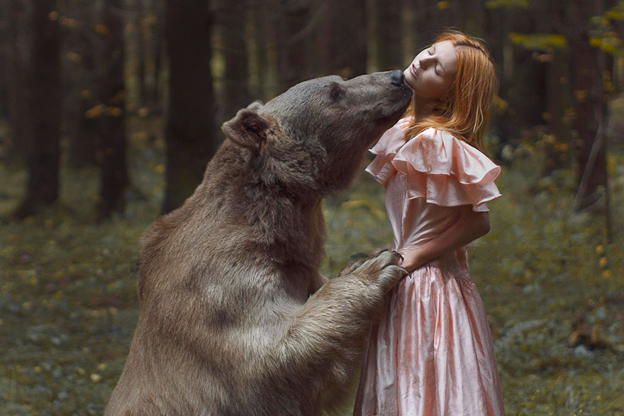 Stunning Photgraphs Of People With Exotic Animals 12