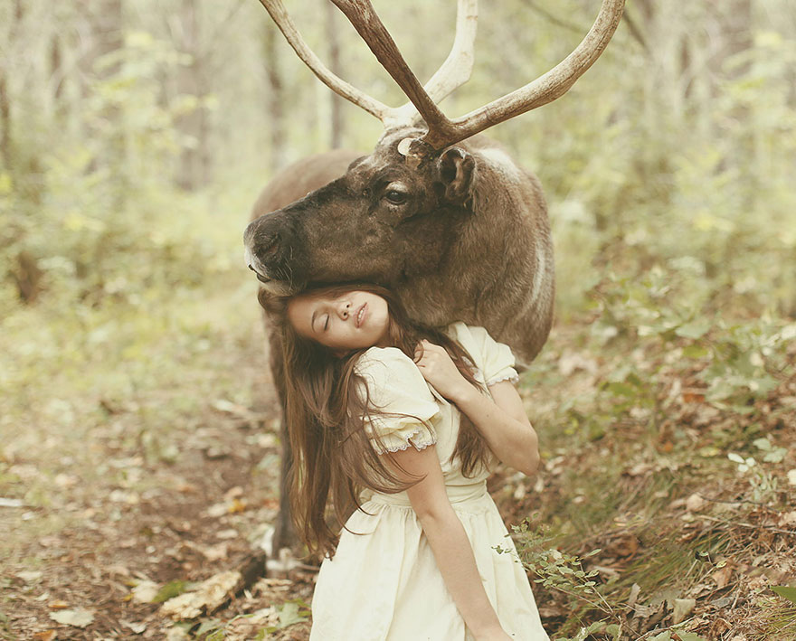 Stunning Photgraphs Of People With Exotic Animals 14