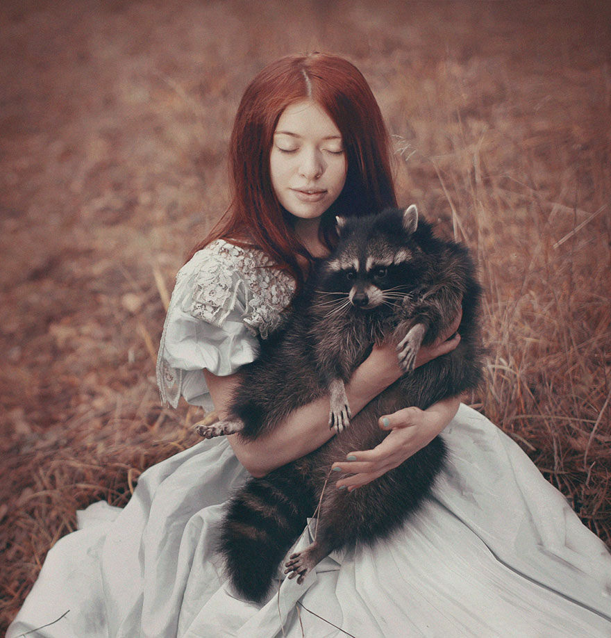 Stunning Photgraphs Of People With Exotic Animals 15