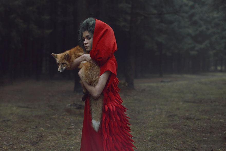 Stunning Photgraphs Of People With Exotic Animals 16