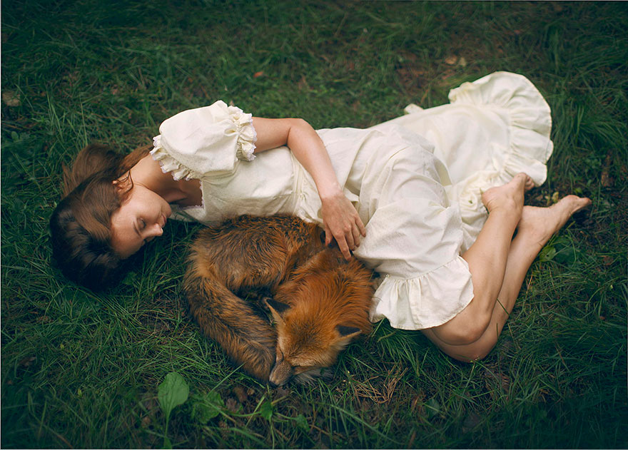 Stunning Photgraphs Of People With Exotic Animals 18