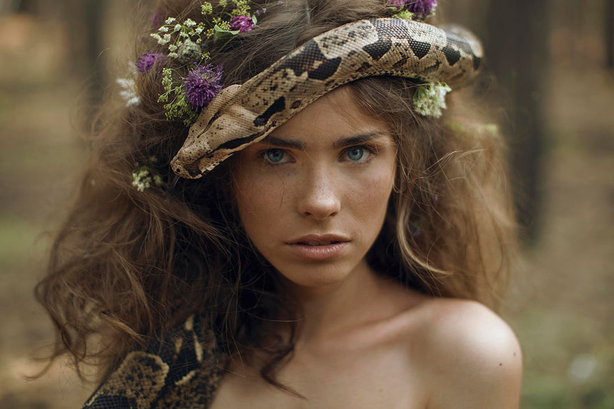 Stunning Photgraphs Of People With Exotic Animals 3