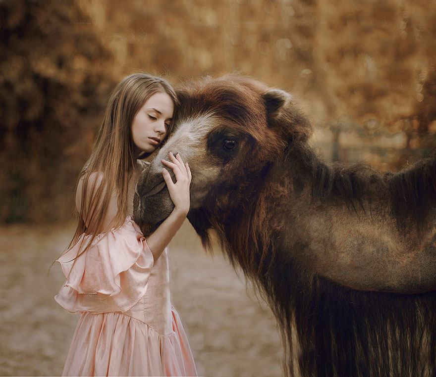 Stunning Photgraphs Of People With Exotic Animals 7