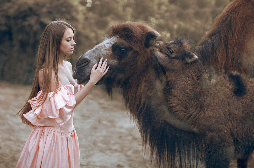 Stunning Photgraphs Of People With Exotic Animals 8